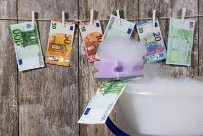 Bestrijding van witwassen en terrorismefinanciering - een nieuwe EU-pakket maatregelen AML : FAQ !